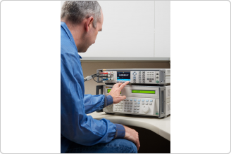 Multímetro de referência 8588A com técnico de calibração